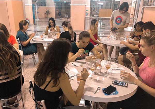 UNICNEC Bento realiza evento de análise sensorial envolvendo Plantas Alimentícias Não Convencionais (PANC) e harmonização com vinhos e espumantes.