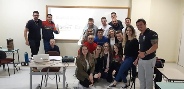 Turismo da UNICNEC realiza curso de qualidade no atendimento para a equipe Gasper