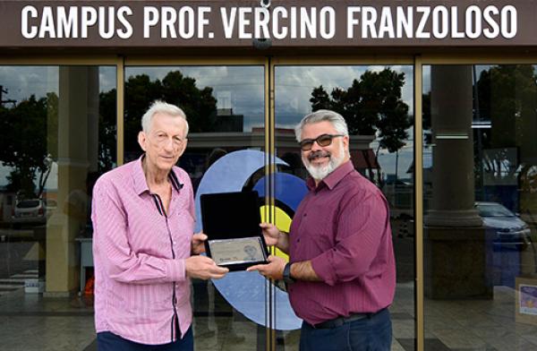 UNICNEC Bento recebe a visita do  histórico  Diretor Prof. Vercino Franzoloso