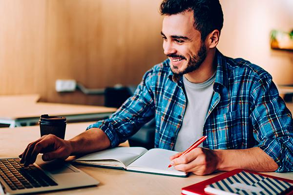 CNEC amplia condições especiais nos cursos de Teologia e Gestão Comercial