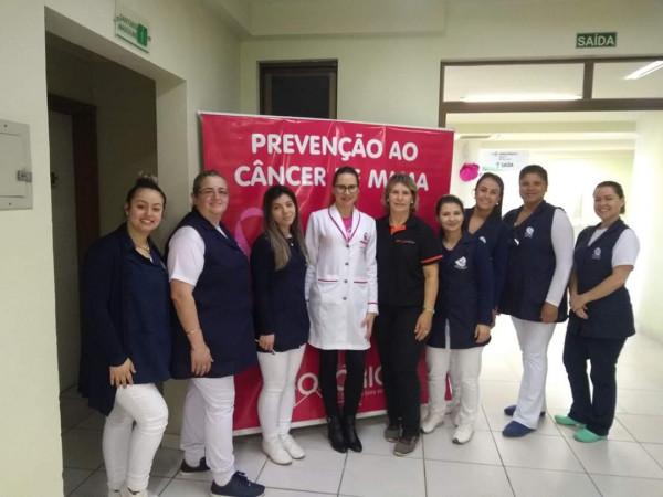 Curso de Enfermagem realiza ação sobre Outubro Rosa