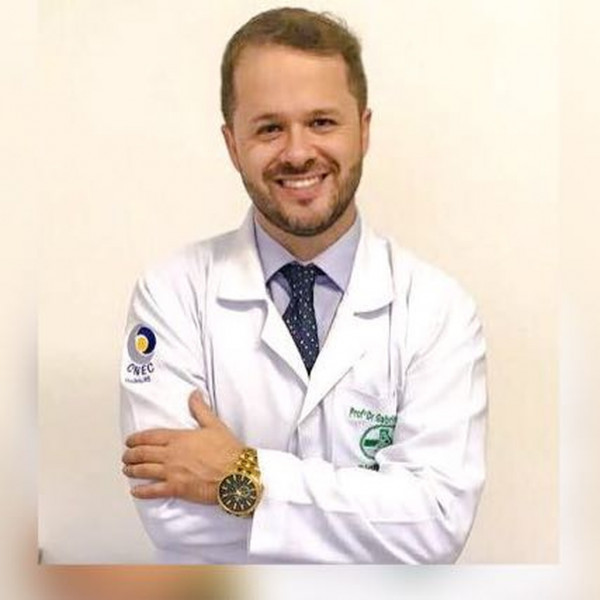Coordenador do curso de Farmácia, Prof. Dr. Gabriel Corteze participa de encontro de coordenadores