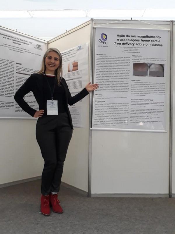 Acadêmica do curso de Estética e Cosmética, teve trabalho premiado no II Meeting Internacional em Estética e terapias alternativas
