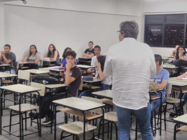 CNEC Varginha lança programa gratuito com minicursos para estudantes de escolas públicas